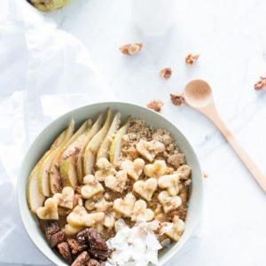 Pumpkin spice oatmeal with walnuts